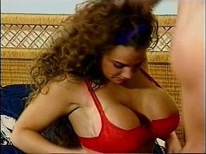 Beauty Bust - Classic Breasty Honey