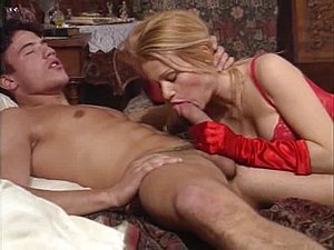 Vintage threesome porno with a blonde slut and facials