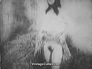 Awesome Babe Masturbating in the Barn (1930s Vintage)